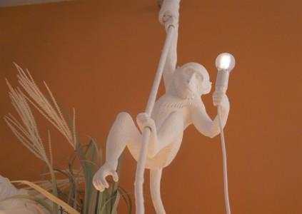 Pendelleuchte Affe am Seil